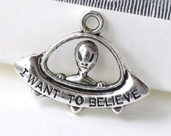 Silver Alien UFO Spaceship Charms Sci-Fi Pendants 23x30mm Set of 10 pcs A8203