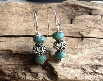 Elegant Natural Emerald and Sterling Silver Filigree Dangle Pierced Earrings