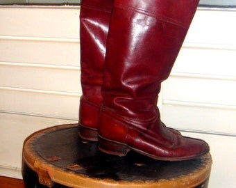 Burgundy leather boots / / 70
