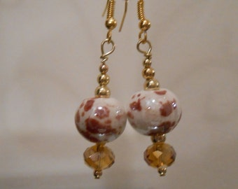 Mauve Spotted Glass Earrings Item No. 160