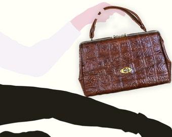 SACÁMAIN.  Large brown alligator print patent leather handbag.  Vintage handbag.