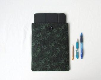 Green rose print Ipad Case, 10 inch tablet case, green fabric, IPad Ipad Air 2, padded Ipad sleeve, gift for teen, handmade in the UK