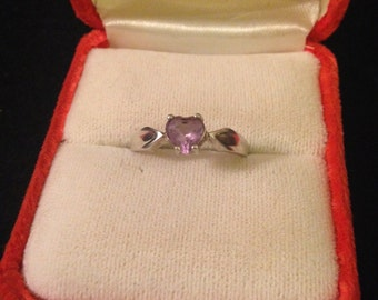 Light Purple Amethyst Heart and Sterling Silver Band Ring - Size 8.75