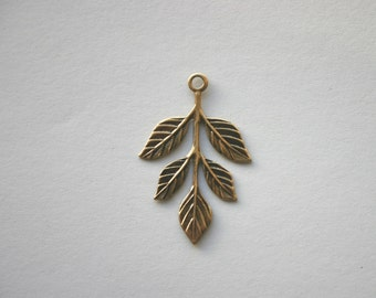 3-Leaf Branches in Antique Bronze  37mmx19mm Woodland, Nature, Fall, Boho