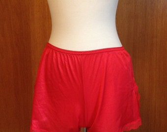 Vintage Red Petti Tap Pants Lace Trim Undies Knickers Bloomers Fredericks of Hollywood Small
