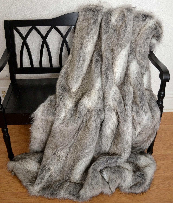 faux fur throw blanket gray wolf faux fur fur bedding. Black Bedroom Furniture Sets. Home Design Ideas