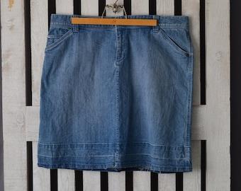 Woolrich Women's Denim Skirt Vintage 1990s Sz 16 Plus Size Denim Skirt Jeans Skirt Hem Let Out Super Comfy Button Zip Fly Med Wash Nice