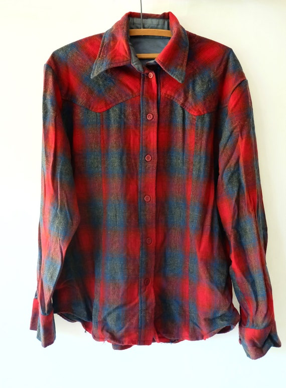 Vintage wool flannel button up mens red navy plaid for Navy blue and red flannel shirt