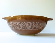 1970s Pyrex Woodland Mixing Bowl #444 Cinderella Shape. Brown Background with Stylized White Flowers. Woodsy Flowers.
