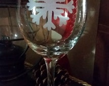 SNOWFLAKE wine glass Etched: Let it SNOW!!! (Grit blasted)