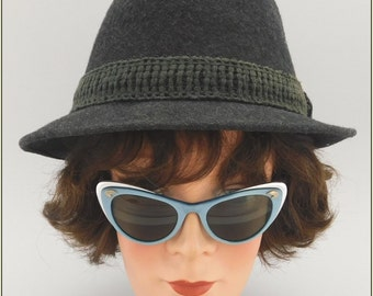 1950's Vintage Cateye Sunglasses / 50s Rockabilly / 1960s Cateye Glasses / Blue Aluminum / Cat Eye Frames / American Optical