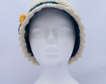 Girls flapper hat. Age 6 to 12.
