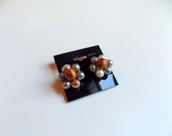 50s Clip On Cluster Earrings, Brown Flower Earrings, Clip Earrings, Vintage 50s Earrings, Costume Jewelry, Brown White and Silver Earrings