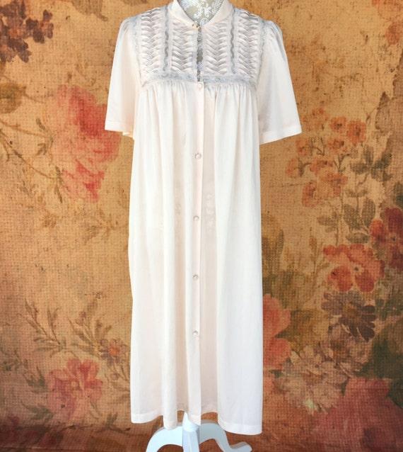 Vintage Vanity Fair Nightgown 19