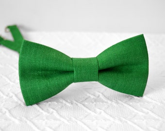 Green bow tie, grass green bow tie, forest green bow tie, linen bow tie, wedding bow tie, groomsmen bow tie