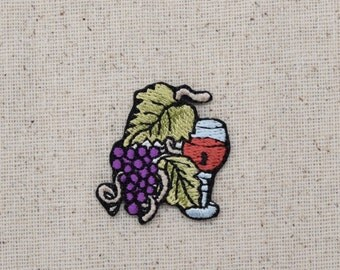Wine Glass - Grape Bunch on Vine - Small - Fruit - Embroidered Patch - Iron on Applique