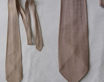 Mens vintage tie cravate, beige textured tie, french neck tie