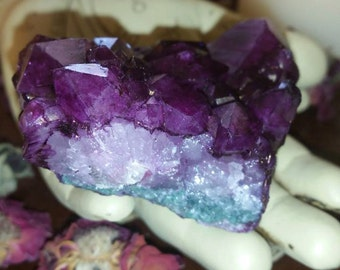 "Dyed Amethyst Cluster~Very Beautiful Color~""Stone that heals""- Alter~ Collection~ Gift~ Beautiful"