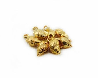 Gold Color Shell Charm, Metal Charms, Shell Charm, Jewelry Making, DIY Craft Supplies, 4pcs Charms, DIY Charms