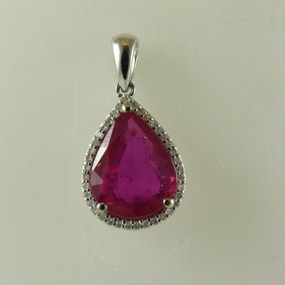 Ruby African 4.12ct Pendant 18k White Gold and Diamonds 0.10ct