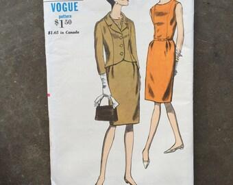 Vintage Sewing Pattern Vogue 6696  Size 14, Bust 34, Hip 36 1960's, 60's, Factory Folded, Uncut