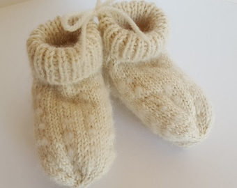 Thrummed Baby Slippers/Socks - READY TO SHIP. Baby Slippers. Hand Knit Baby Socks. Baby Gift. Hand Knit Baby Booties. White Baby Slippers