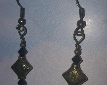 Dangle earrings w/Swarovski Crystals