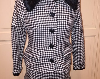 Vintage Casual Corner Lady's Hound-Tooth Checked Suit