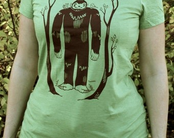 Womens Fitted Tee Shirt - Bigfoot and Woodland Animal Friends Design Graphic Tees - Green - T Shirt Women Sizes Small Medium Large XL Sizes