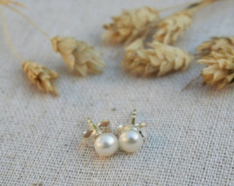Freshwater Pearl Earrings - Bridesmaid Gifts, Bridal Party, 925 Sterling Silver Studs, Bridesmaid Earrings, Tiny Pearl Studs