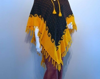 Vintage 1970s FRINGE PONCHO CAPE with Fringe and Tassels // Hippie Gypsy Festival