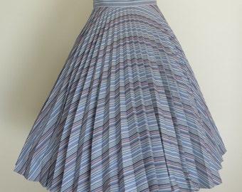 Lovely 70s 80s Rainbow Pleated Wool Mix Skirt / Full Skirt / Medium