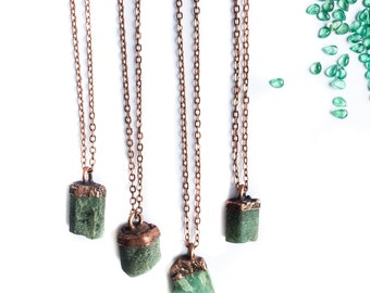 Emerald crystal necklace | Raw emerald necklace | Rough Emerald pendant | Green emerald stone pendant | Rough emerald crystal necklace