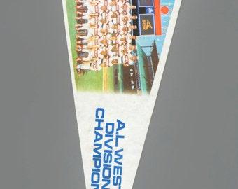 """1983 Chicago White Sox Vintage Large Felt MLB Baseball Team Souvenir 30"""" Flag Full Size"""