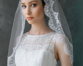 BIG SALE_50%_Wedding Lace Veil, Fingertip Wedding Veil, Bridal Veil, Chantelle Lace Veil, Bridal French Lace Veil