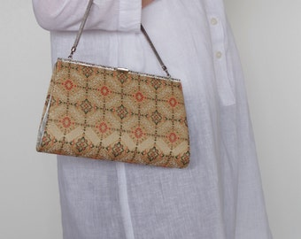Japanese style handbag      Directing your personality In cool fashion accent plus!!