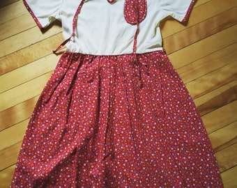 Vintage 1970s Girls Red Calico Quilted Summer Dress! Size 12