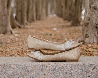 Gold Flats, Gold Wedding Shoes, Ballet Flats, Bridal Shoes, Flat Wedding Shoes, Wedding Flats, Bridal Flat, Flats with Ivory Lace. US Size 8