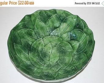 Vintage Green Leaf Design Bowl