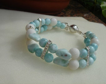 Bracelet with white coral and Larimar in 925 Silver, beautiful summer!