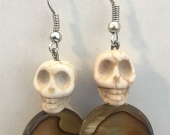 Bone colored skull and bead