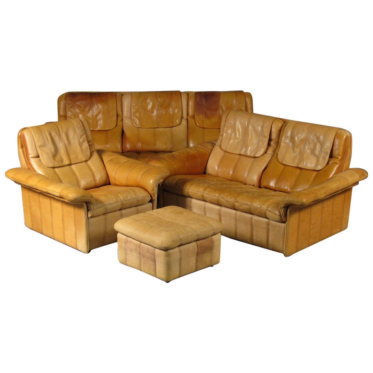 Set Of Fine Leather Upholstered Living Room Furniture By De