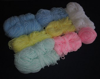 8 partial skeins of baby color yarn, light bue, baby pink, light yellow, pastel mint green, 13 oz total, worsted weight, 4 ply