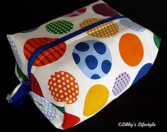 Spots toiletry bag. Handmade. Moisture resistant travel bag.