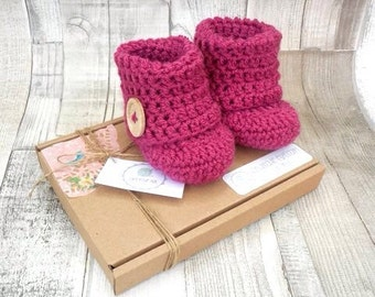 Pink booties crochet boots magenta booties photo prop baby shower newborn 0-3 3-6 stone beige boots baby shoes girls crocheted boots