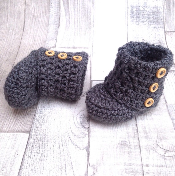 crocheted booties, baby shoes, crochet, grey charcoal, unIsex booties, photo prop, newborn, baby shower gift, infant shoes, uggs
