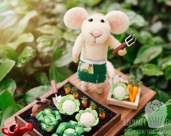 Gertie the Needle Felted Mouse with Vegetable Garden