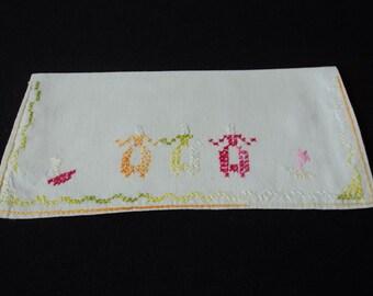 French vintage hand made embroidered linen napkin holder  (01976)