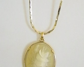 Large Oval Pale Yellow Floral Flower Pendant Chain Necklace