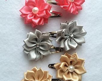 Flower Snap Clips. Flower Hair Bow, Baby Hair Clips, Hair Accessories, Baby Hair Bows, Girls Hair Bows, Flower Pearl Hair bow, Pearl Clip
